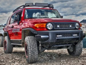 toyota_fj_cruiser_roof_rack+20in_e-series+10in_e-series+led_grille_kit+6in_sr-series+d-series-510×383